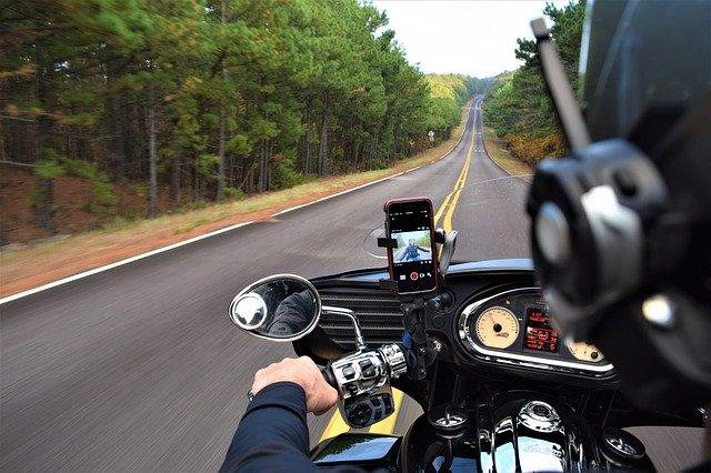 Jak wybierać ciuchy motocyklowe?